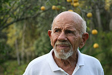 220px-Jacque_Fresco_and_lemon_tree